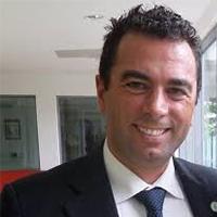 Leandro PECCHIA, UK